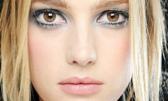 Легкий макіяж для карих очей