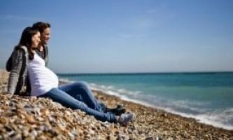 Любов з чоловіком під час вагітності: можна чи ні?