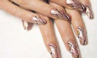 Прості малюнки на нігтях