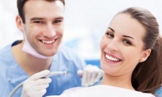 Чи можна вагітним робити чистку зубів?