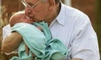 Чоловік після 40 років: шанси стати батьком зменшуються