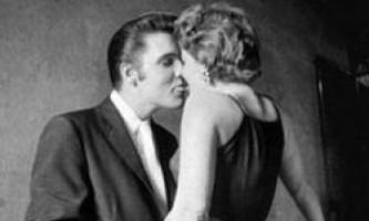 """Знайдена блондинка, яка цілується з елвісом преслі на знаменитій фотографії """"the kiss"""""""