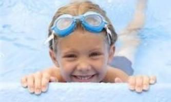 Наскільки безпечна вода в басейні?