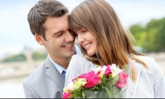 Що подарувати дівчині на рік відносин?