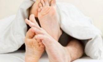 Перший секс допомагає хлопцям, але шкодить дівчатам