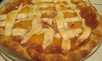 Пиріг з персиками консервованими - рецепт