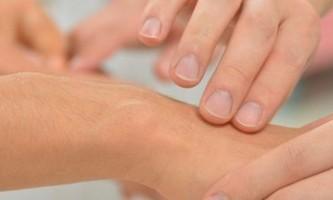 Чому хрустять суглоби, і як з цим боротися
