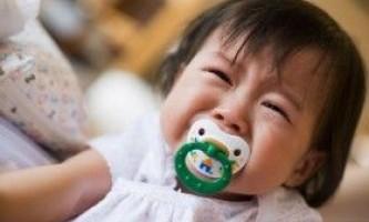 Чому плаче дитина?