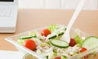 Чому пластиковий посуд не є екологічною?