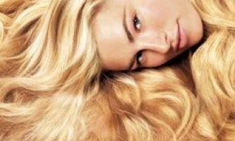 Чому жінки перефарбовуються в блондинок?