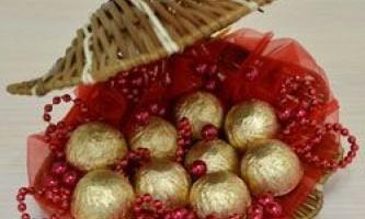Подарунки та композиції з цукерок: колекція майстер-класів