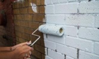 Фарбування цегляної стіни: покрокова інструкція