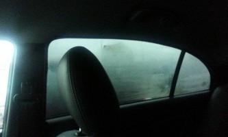 Потіють вікна в машині. Що робити?