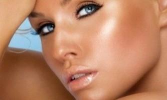 Повсякденний макіяж для блакитних очей