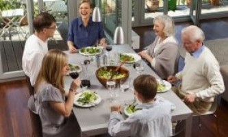 Проживання з батьками: плюси і мінуси