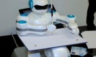 Робот-художник sketrobo вміє малювати ескізи