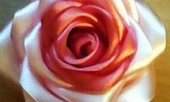 Троянди зі стрічок своїми руками