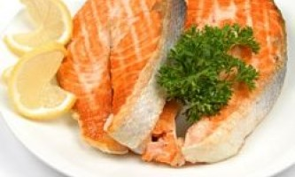 Риба і горіхи в меню вагітної жінки захистять майбутньої дитини від алергії
