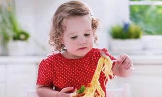 З якого віку можна давати дитині макарони?