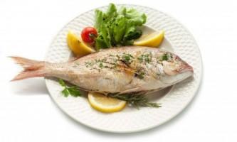 З якого віку можна давати дитині рибу?