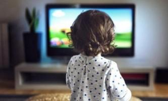 З якого віку можна дивитися мультики дитині?