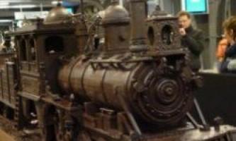 Шоколадний потяг довжиною в 34 метри на виставці в брюсселі