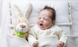 Сильний кашель у дитини вночі: що робити?