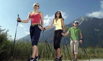 Скандинавська ходьба - новий популярний вид фітнесу.
