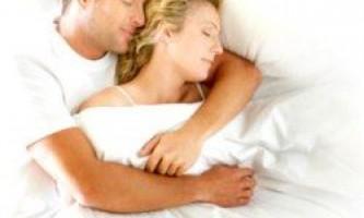 Спимо або обіймаємось: що відбувається після сексу?
