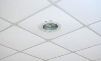 Способи вирівнювання стелі: особливості, переваги та недоліки