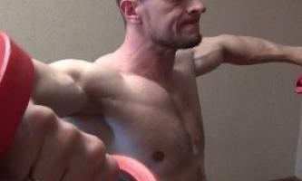 Тренування плечей будинку: основні принципи