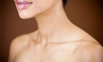 Догляд за шиєю і областю декольте