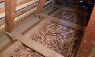 Утеплення підлоги тирсою