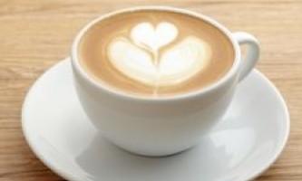 Ранкова чашка кави позбавить від болю в шиї