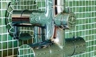 Закриваємо труби у ванній: який спосіб вибрати?
