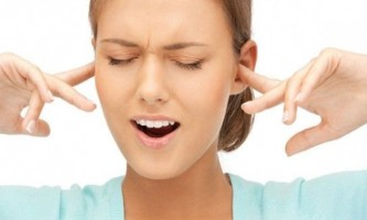 Болить вухо: що робити і як лікувати в домашніх умовах?
