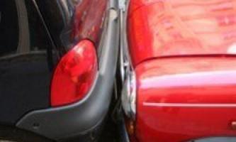 Жінки паркуються краще за чоловіків
