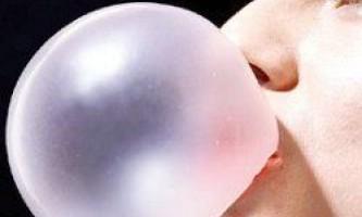 Жувальна гумка без цукру шкідлива для зубів